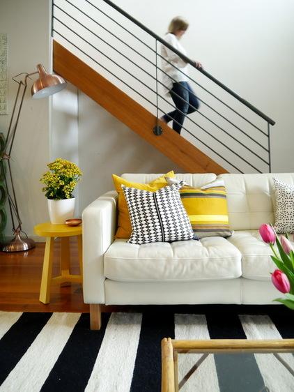 dc11a5d003ede1c6_8765-w422-h562-b0-p0--eclectic-living-room